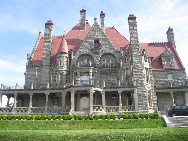 Victorian houses and where the rich and poor victorian - What is a victorian house ...